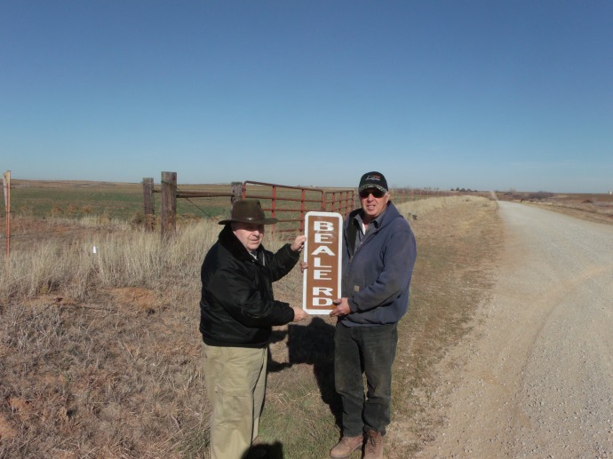 Custer County Beale Road signs